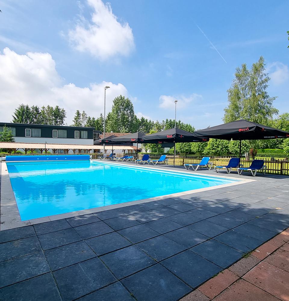 Hotel De Beyaerd - zwembad.jpg